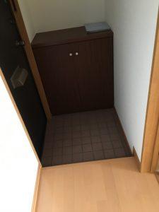 弘前 アパート 品川町41-1 靴箱と玄関