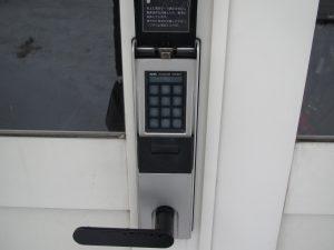 弘前 アパート 堅田2丁目 共用入口デジタルキー
